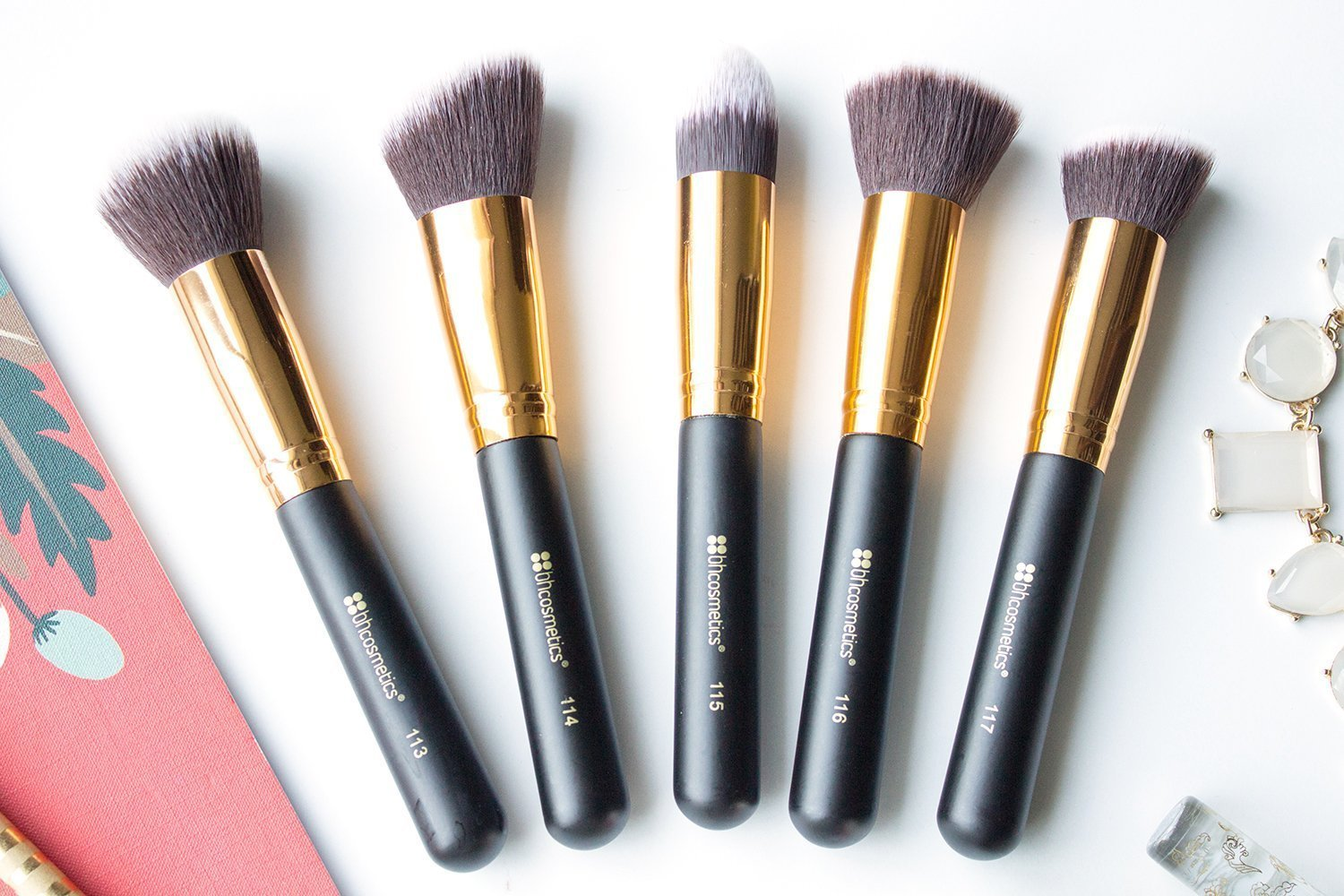 069887d8484bd I ll take you through each of the brushes in this set and tell you a little  bit about how I ve been using them!