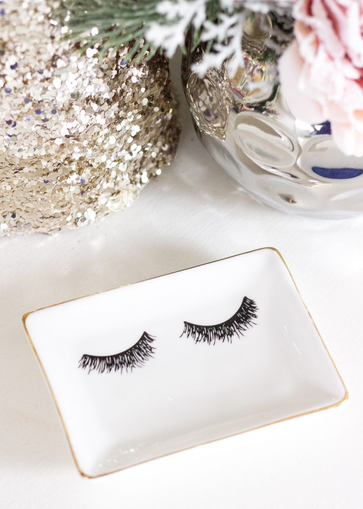 Sweet Water Decor Eyelashes Jewelry Dish